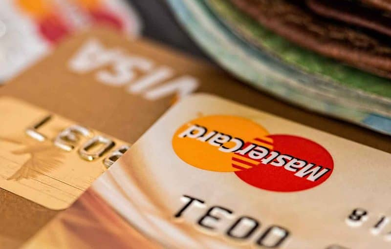 What Is The Difference Between Payment Gateways and Payment Processors?